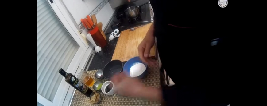 crispy seitan with sparkling Matcha